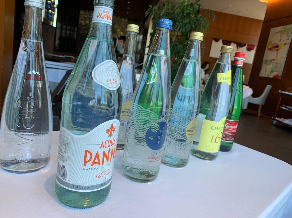 様々な種類のお水